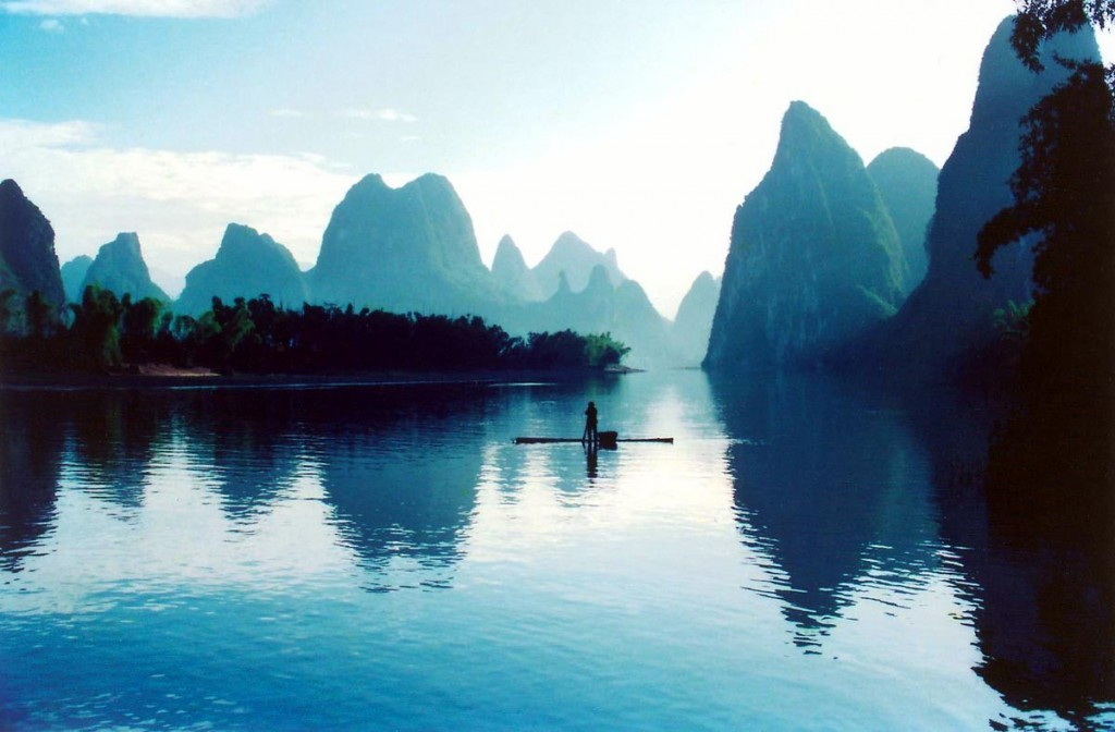 boat in li river
