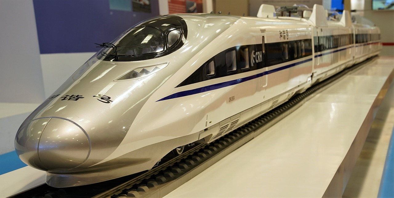 travel-tilps-in-china-high-speed-train-in-subway