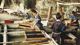 Old Way of Making Paper in china