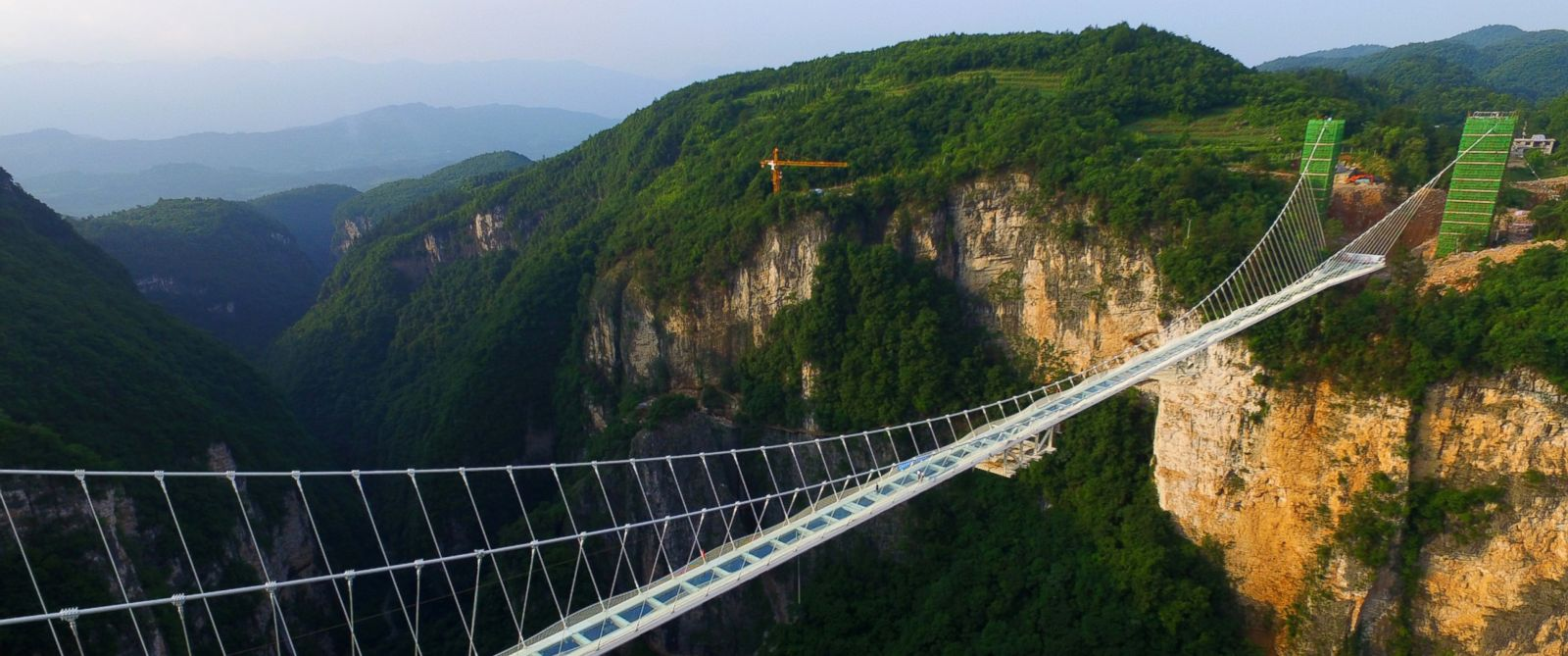 GTY_China_Glass_Bridge2_hb_160613_31x13_1600