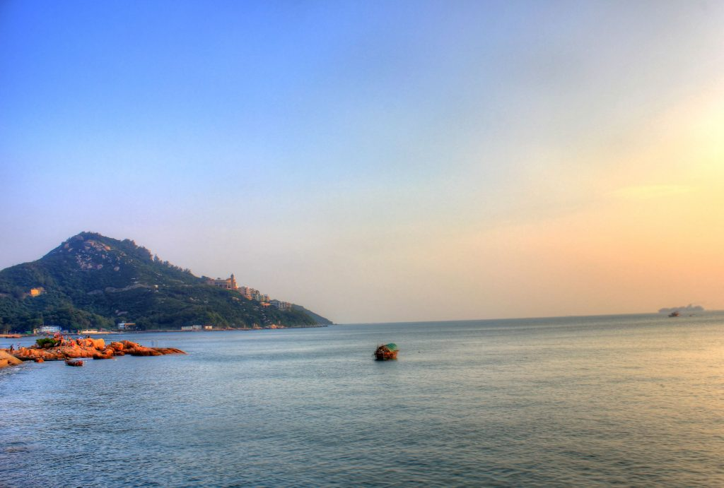 china-hong-kong-sea-and-shore-at-stanley-market
