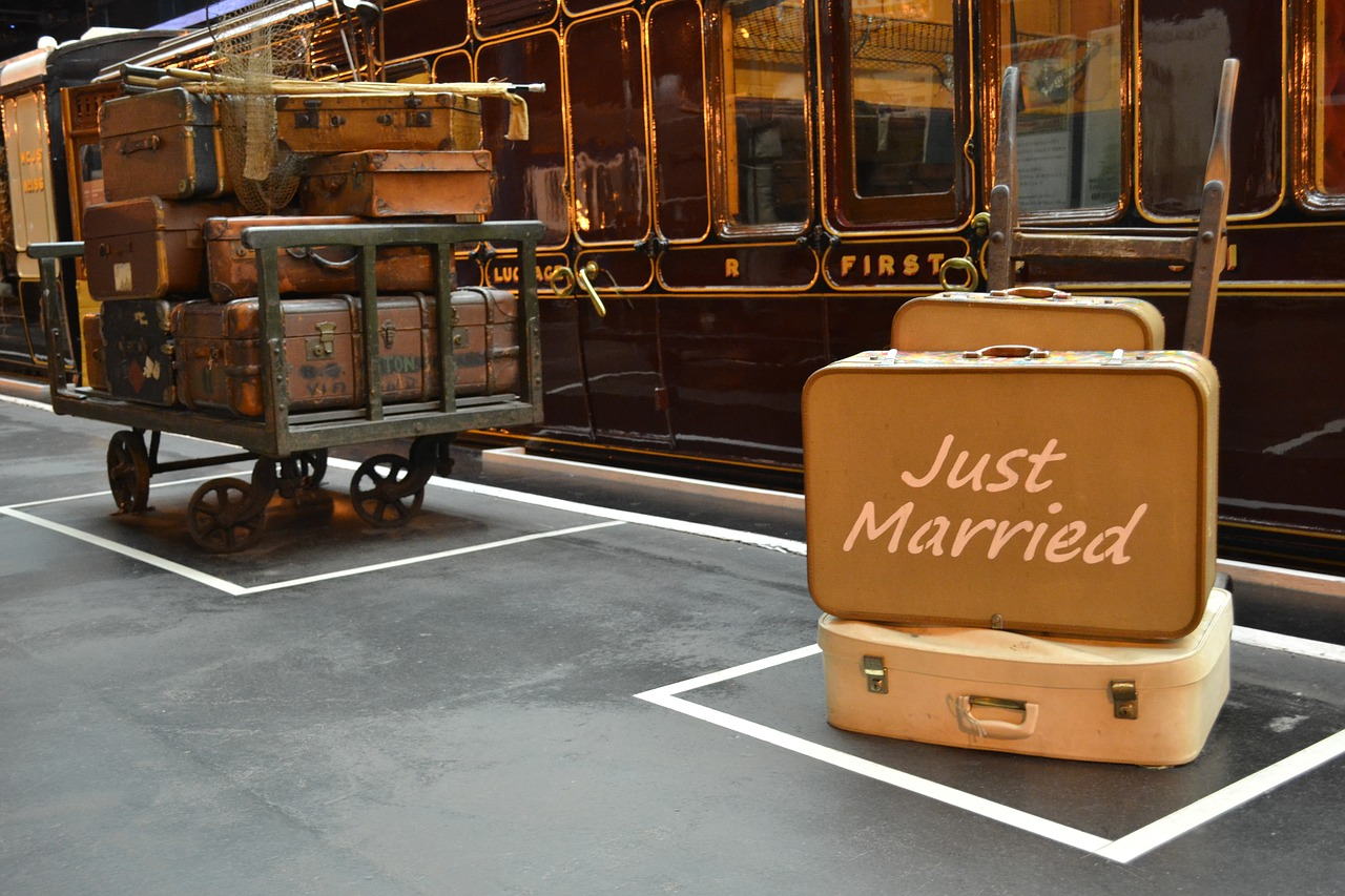 luggage-just-married